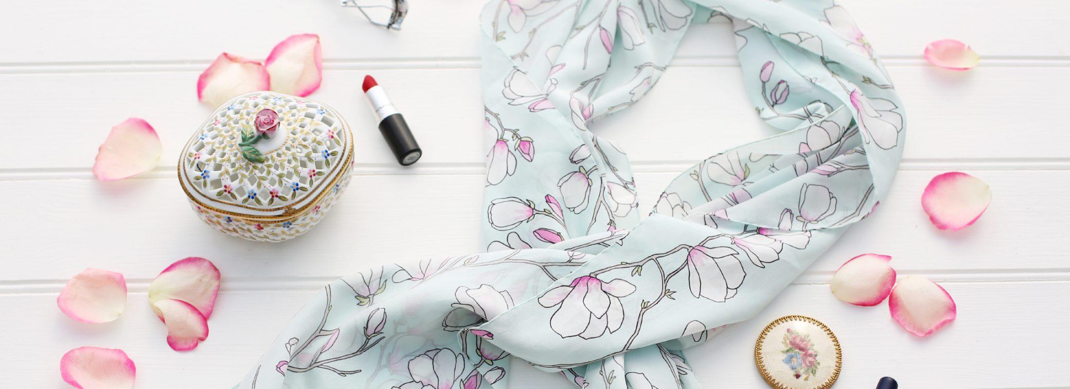 Magnolia-Scarf-Lisa-Edoff